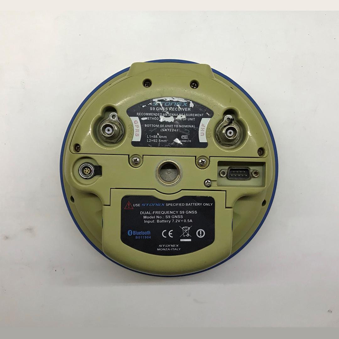 2. El Stonex S9 + S3 GPS/GNSS Set
